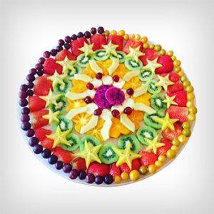 מגשי פירות במרכז